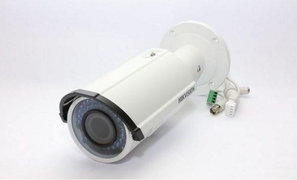 camera-ip-hikvision-ds-2cd2620f-is